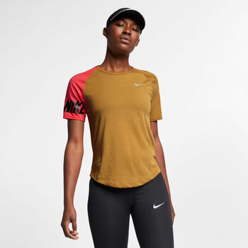Nike Miler Top SS rövidujjú női futópóló Nők sárga
